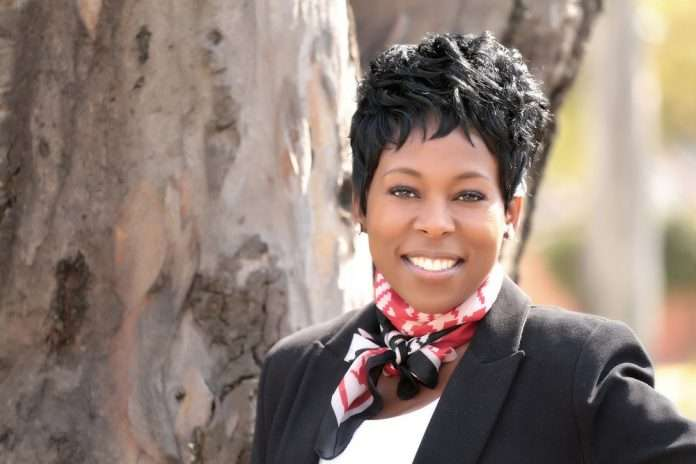 Tumi Frazier - Leadership Change Expert