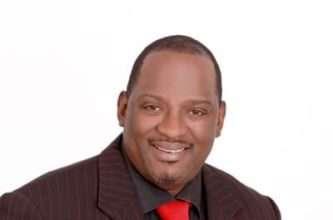 Gerald Mwandiambira - Personal Finance Speaker