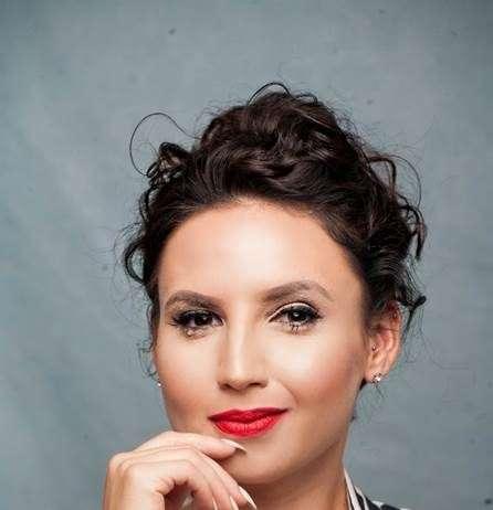 Nina Hastie-Corporate Conference Comedian