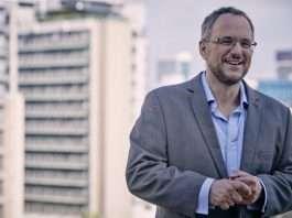 Stephen Grootes-Current Affairs Speaker