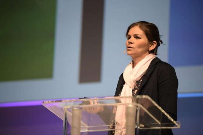 Claire Janisch - Biomimicry Innovation Sustainability